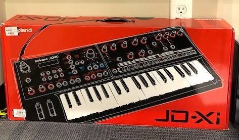Roland JD-XI Integrated Analog/Digital Crossover Synthesizer