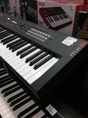 Yamaha 61 Key Synth-black (128 Poly)