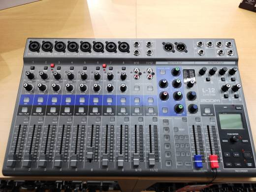 Store Special Product - Zoom LiveTrak L-12 12-Channel Digital Mixer / Recorder w/FX - USB