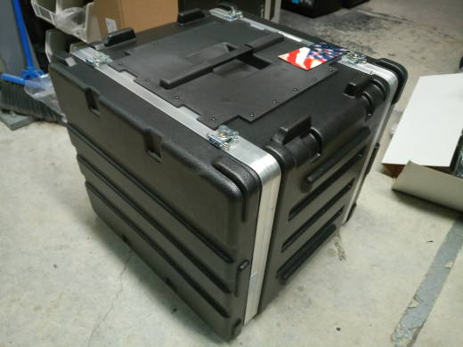 SKB 12-SPACE RACK CASE