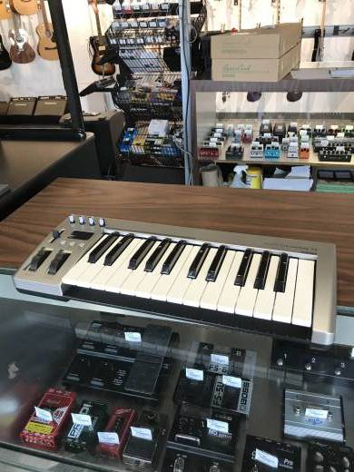 Store Special Product - Masterkey 25 Keyboard Controller - 25 Note