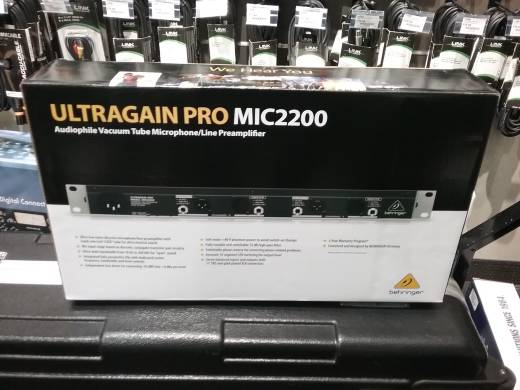 Store Special Product - Behringer MIC2200 - 2-Channel Tube Mic Pre/Line Driver & DI Box