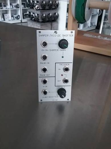 Analogue Systems RS-50 Shaper/Trig/DC Shifter