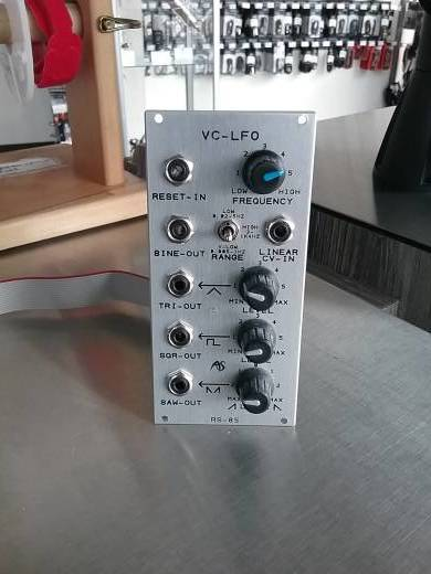 Analogue Systems RS-85 VC-LFO