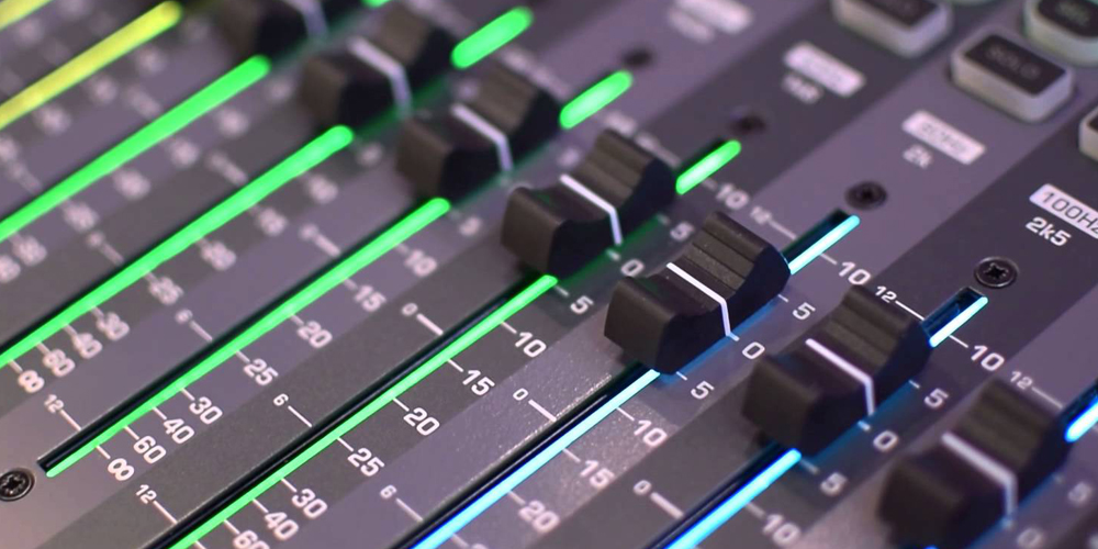 NAMM 2016: Soundcraft Digital and Analog Mixers